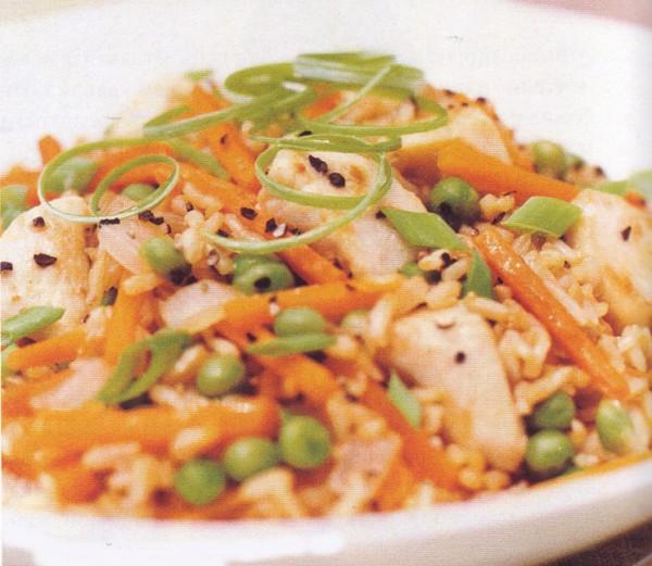 фитнес-диета жареный цыпленок с рисом и овощами