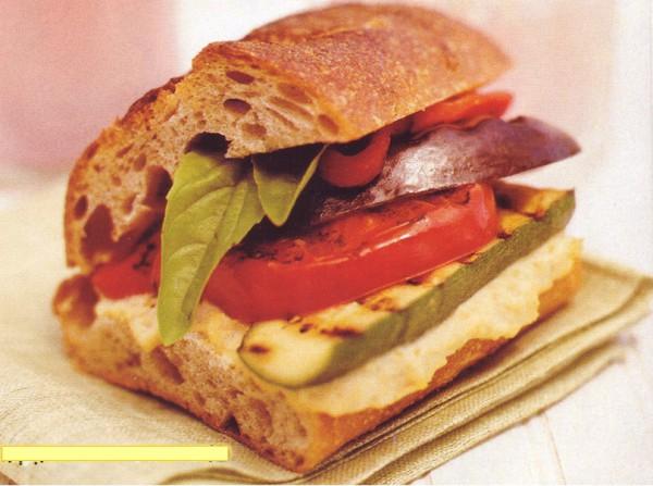 Фитнес-диета Сэндвич с овощами-гриль и пюре из нута