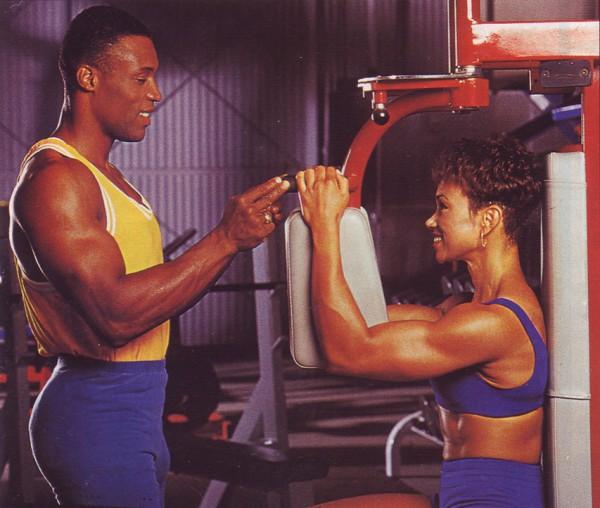 сведение рук упражнение для мышц груди