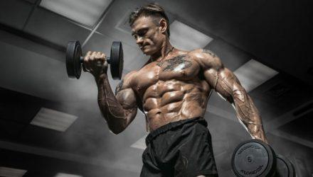 С весом работают не только мышцы, но и мозг
